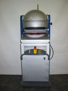 Teigteil-Wirkmaschine Daub Typ 4