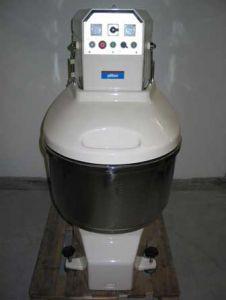 Spiralknetmaschine SF 80 mit Schutzhaube (Symbolbild)
